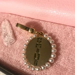 Juicy Couture Jewelry - Juicy Couture gold and pearl oval charm